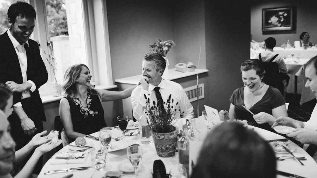 wedding-magician-dinner