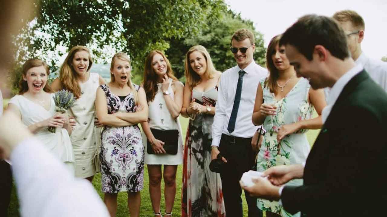 wedding-magician-drinks